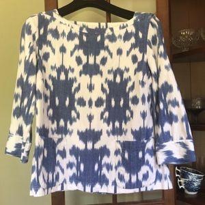 EUC Vineyard Vines Blue White Ikat Shirt Small